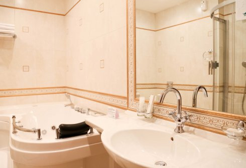 Номер Премиум (ванная) - Гостиница Лермонтов отель