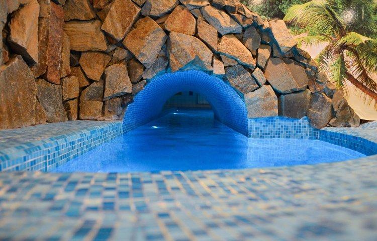 бассейн в гостинице Лермонтов отель