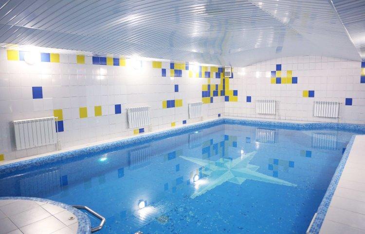 бассейн в Лермонтов отель